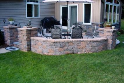 Block Paver patio wals